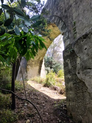 Une arche du Roularel